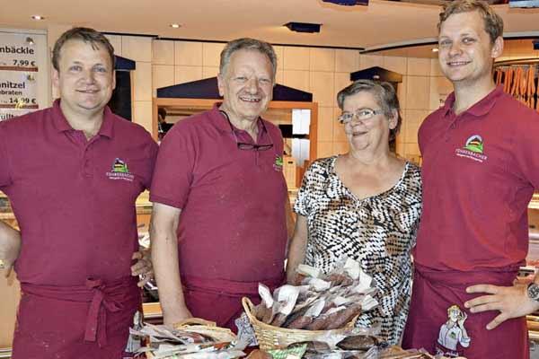 Familie Föhrenbacher 2016 - Kirchzarten - Metzgerei Partyservice Pension