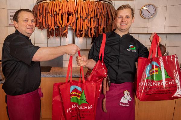Foto Lieferdienst - Föhrenbacher Metzgerei, Partyservice und Pension in Kirchzarten bei Freiburg